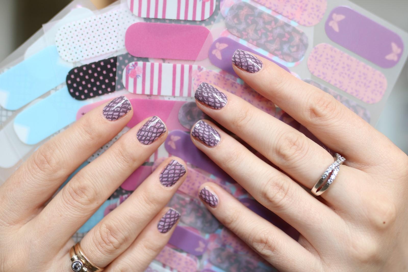 Manirouge - naklejki termiczne na paznokcie - fioletowa panterka
