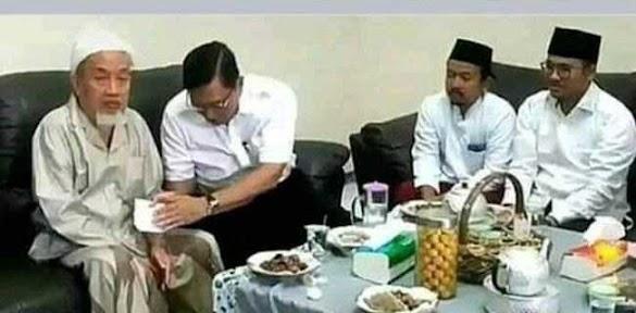Siang Ini, ACTA Bakal Laporkan Luhut Karena Beri Amplop Ke Kiai Untuk Pilih Jokowi