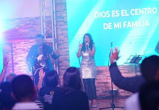 """Cantante cristiana Sugey Holguín presentará su concierto """"Para Adorarte Live"""""""