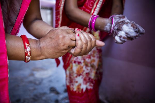 COVID-19 in India: 10 हजार से कम आए नए मामले, 20 लाख से अधिक लोगों को मिल चुकी वैक्सीन की खुराक