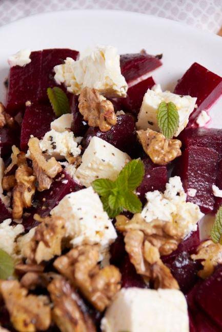 die Gemüse Expedition - es gibt Rote Bete-Walnuss-Salat mit Feta