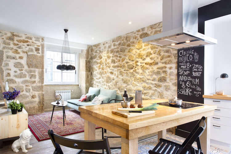 Como decorar una vivienda para alquilarla más rápido, salón con cocina integrada
