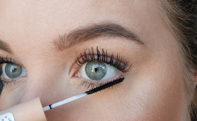 Kruidvat make-up Lash Define Skinny & Maxx Drama mascara review
