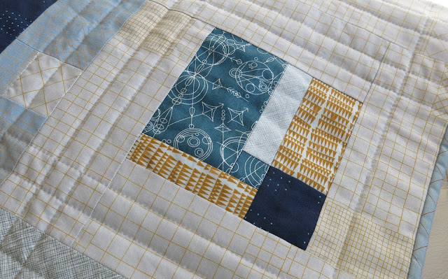 Luna Lovequilts - Modern sampler quilt - Detail