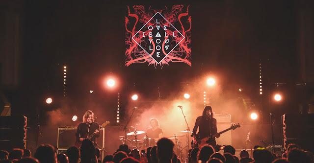 band of skulls new album is a rock n roll treasure. Black Bedroom Furniture Sets. Home Design Ideas