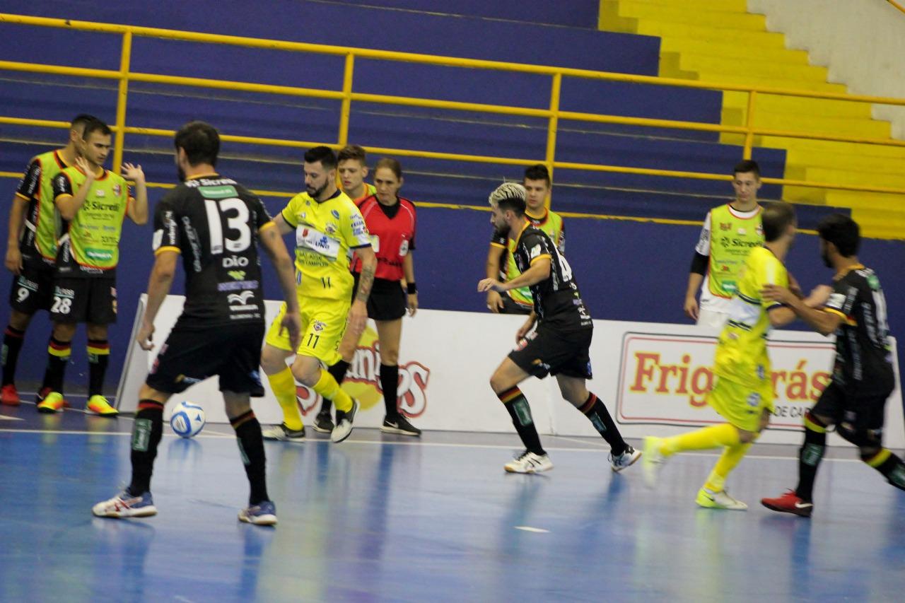 Blumenau Futsal vence São José fora de casa e assume liderança provisória  da Liga Nacional 53527ddfe2b07