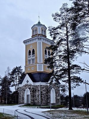 Finlance Eglise de kerimäki : le clocher près de Savonlinna