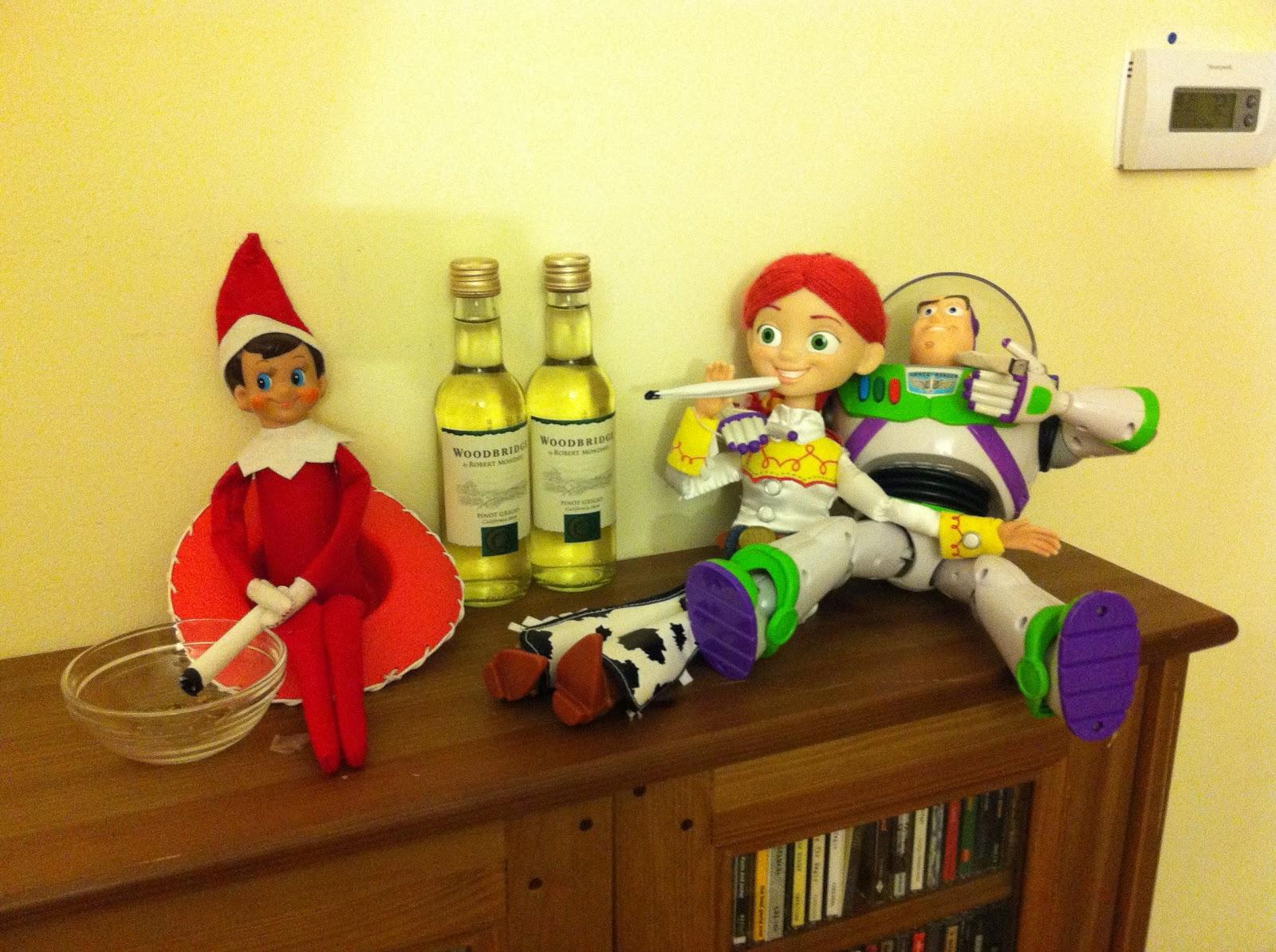 Creepy Elf Jessie Amp Buzz