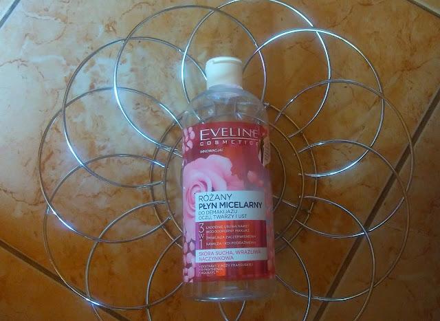Eveline Cosmetics - różany płyn do demakijażu.