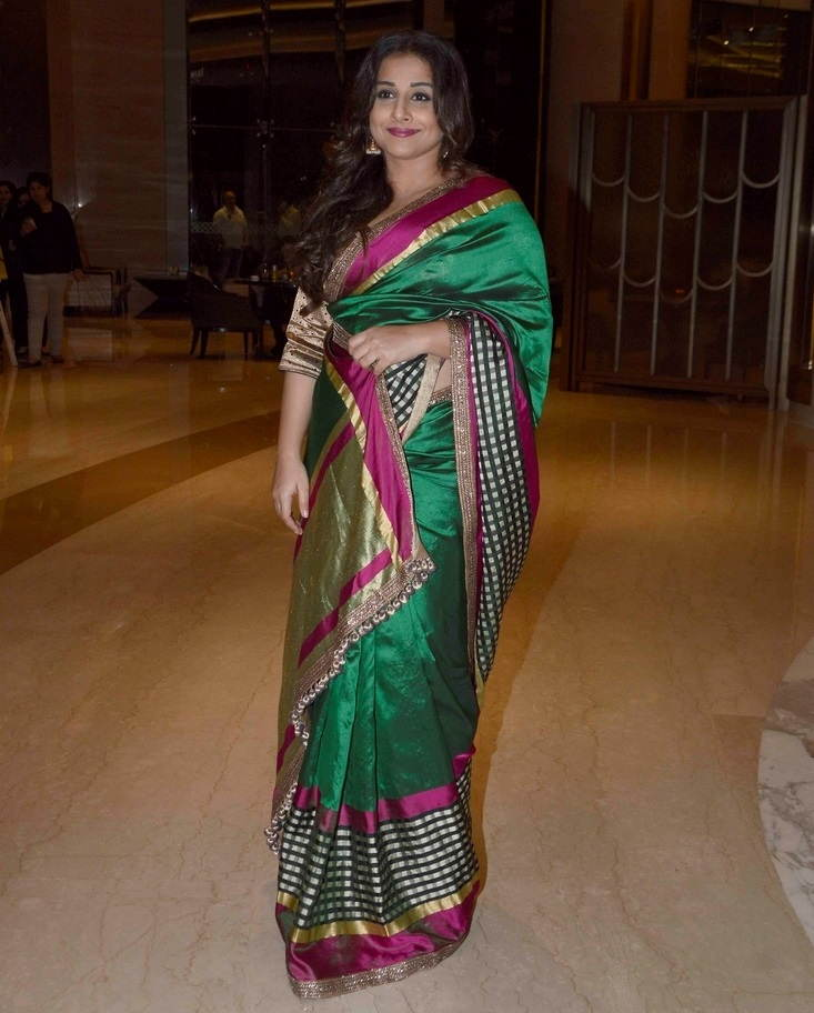 Beautiful Hindi Girl Vidya Balan Photos In Transparent Green Sari