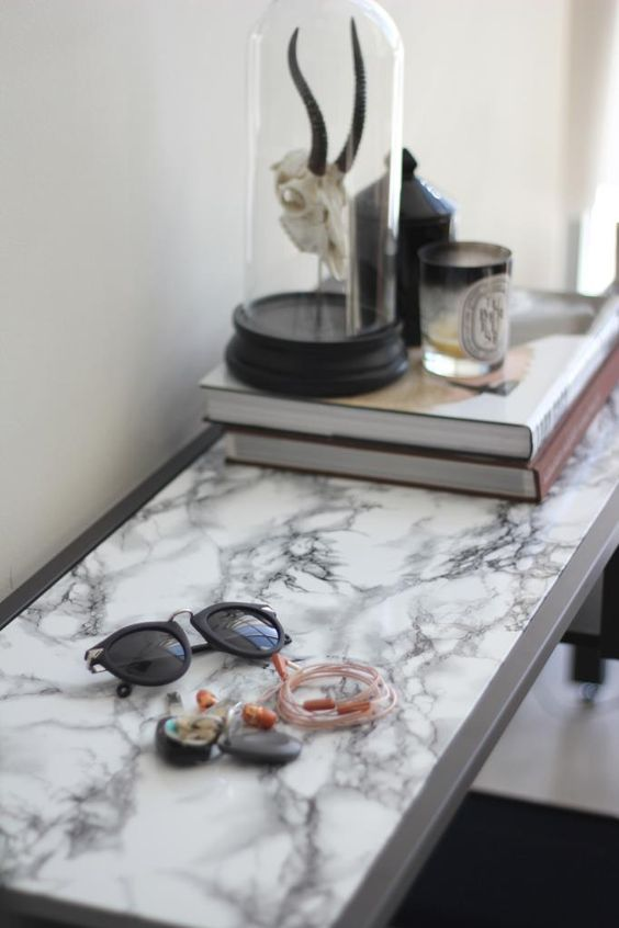 Tutorial - Faux Marble Table DIY