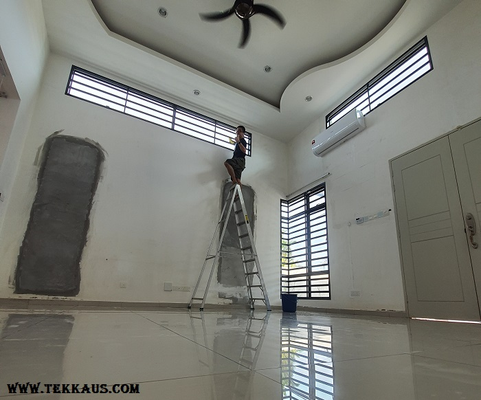 Cleaning The Wall Before Painting