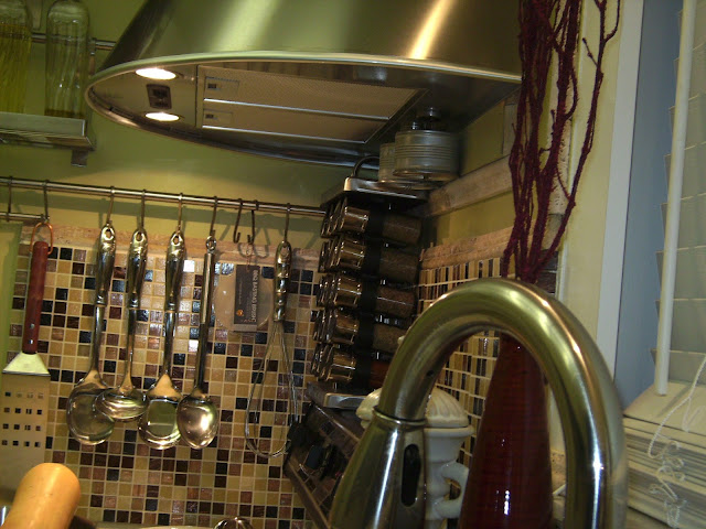 How to Remodel and Decorate a Small Kitchen, By: JoFer Interiors