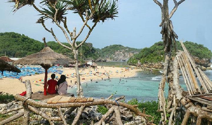 Spot Photography Pantai Drini