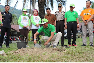 KABUPATEN KONSERVASI ; Lingkungan Alam Lestari Masyarakat Lampung Barat Sejahtera