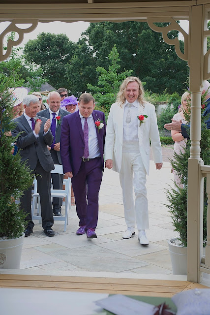 wedding arriving