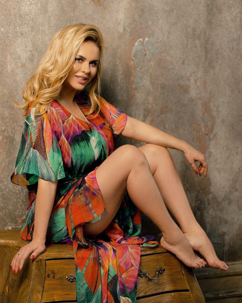 Russian sexy Women Anna Semenowich