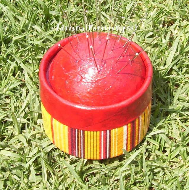 Caja Decoupage papel a rayas amarillo y roja