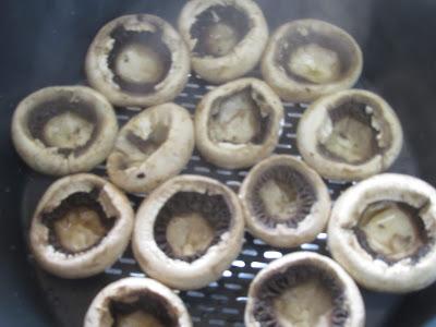 Champiñones rellenos de tortilla con Thermomix.