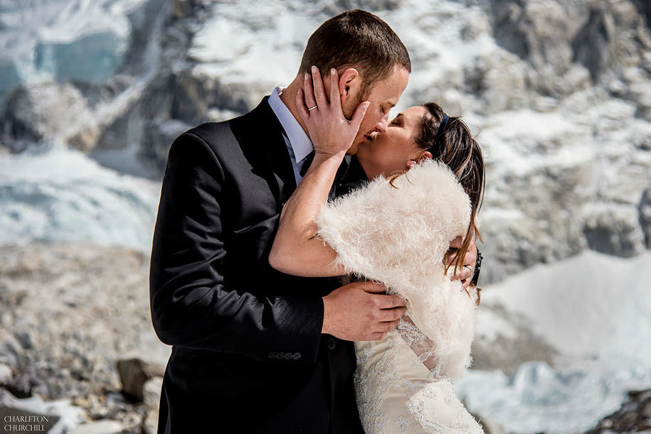 the best kisses on married on everest
