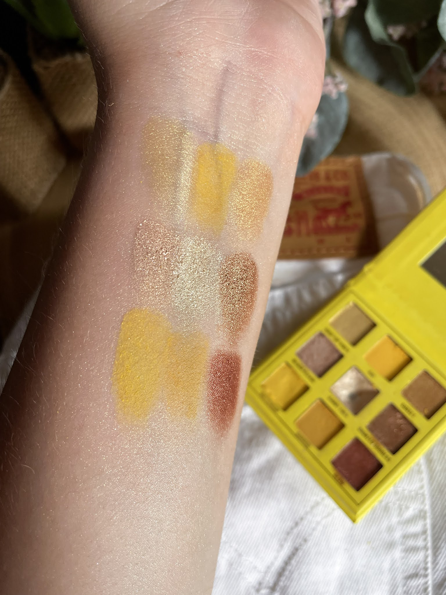 Swatches Sunshine Makes Me Happy de Makeup Obsession