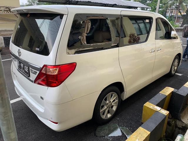 Mobil Mantan Anggota DPR RI Dirusak Orang Tidak Dikenal di Kampoeng Brasco