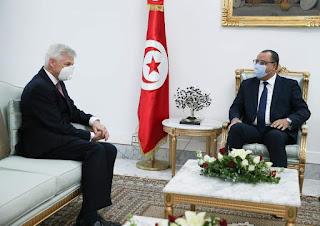 المشيشي خلال لقائه السفير الفرنسي: 'فرنسا شريك استراتيجي لتونس على كل المستويات' و عبر عن متانة العلاقات و مواصلة التنسيق والتشاور بين البلدين