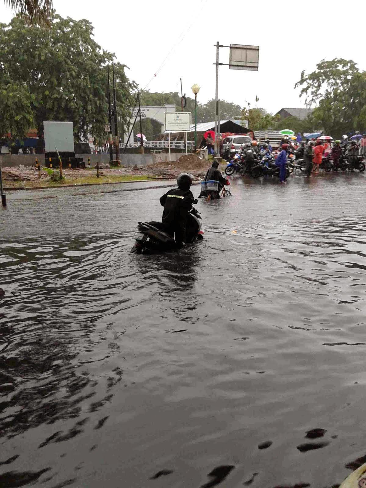Perjalanan Setetes Air: Banjir jakarta hari ini