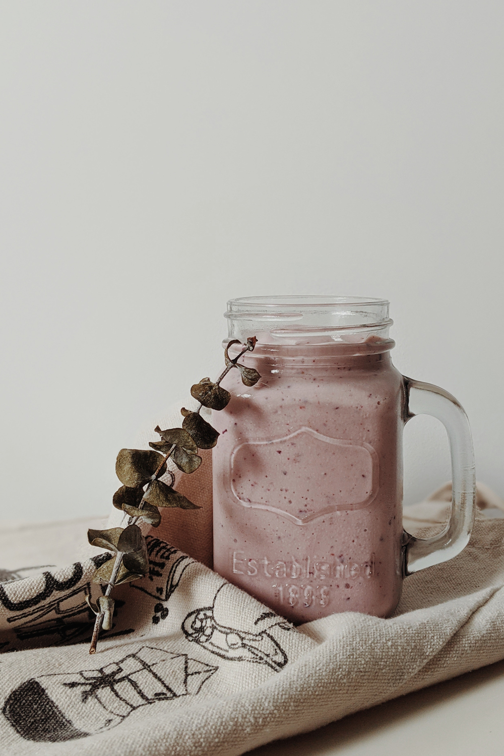a close up picture of a smoothie