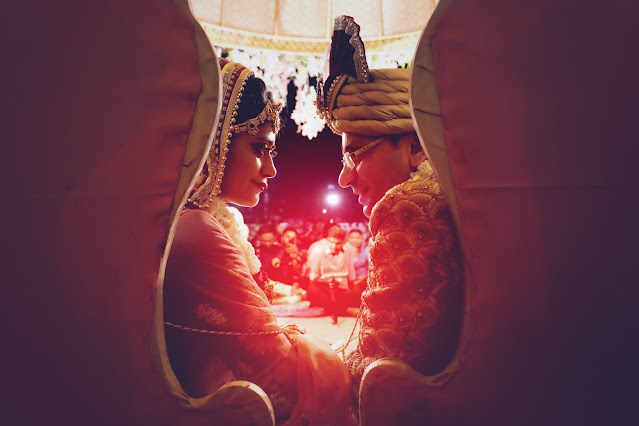 Indian wedding, bride & groom, frustration, funny, humour, sarcastic article for corona, COVID-19, indian wedding, bride & groom discussion
