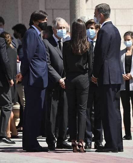 King Felipe and Queen Letizia attended Jaime Carvajal Funeral at Funeral home La Paz. Letizia wore a black slingback pumps from Carolina Herrera
