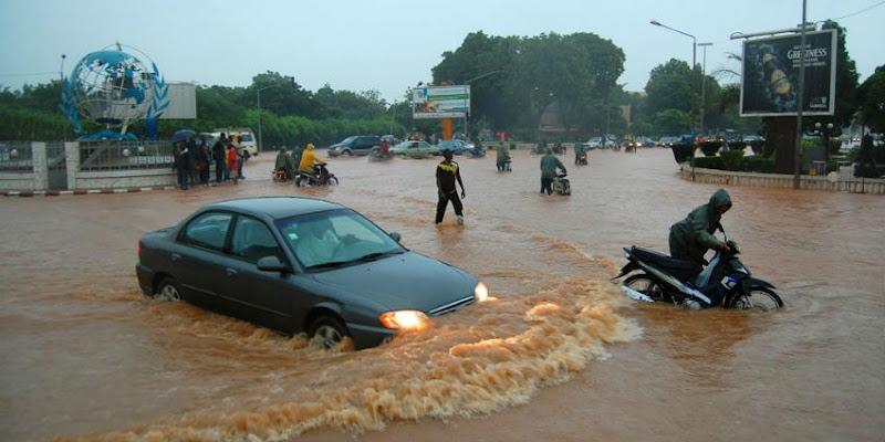 Le Maroc envoie des aides humanitaires au Burkina faso après des innondations.