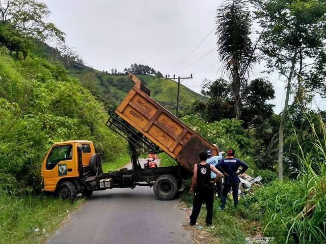 Bukannya Dukung Pariwisata, Pemkab Simalungun Jadikan Pantai Haranggaol TPA Sampah