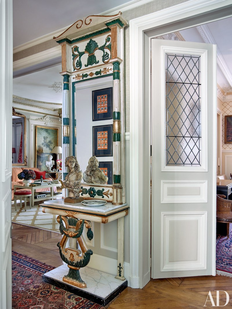 timothy-corrigan-paris-apartment-architecturaldigest