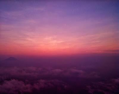 foto diatas awan gunung andong magelang