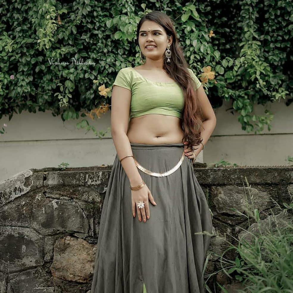 Malayalam Actress Archana Navel Photos
