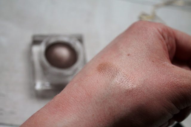 Burberry Eye Colour Cream in Mink 102 swatch