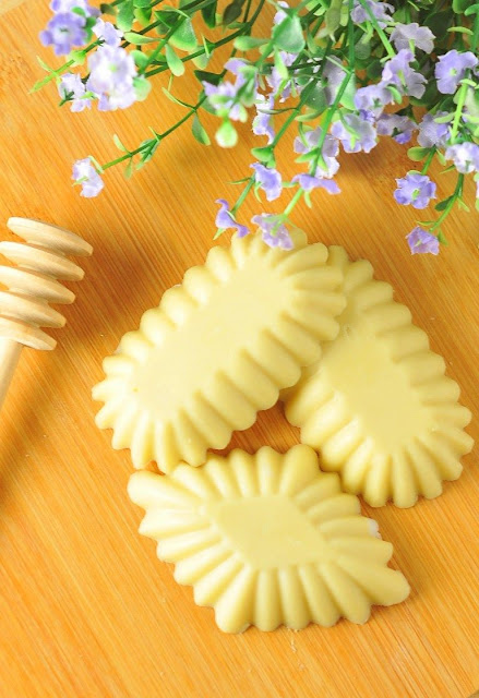 DIY Beeswax Lotion Bars