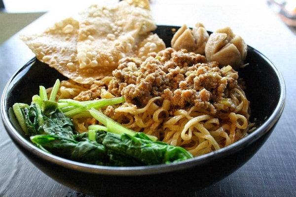 Image result for Mie Ayam 600 x 400