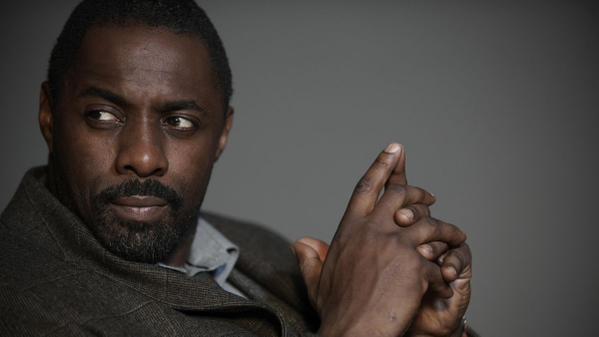 """Idris Elba não é """"sofisticado"""" para viver James Bond, diz autor"""