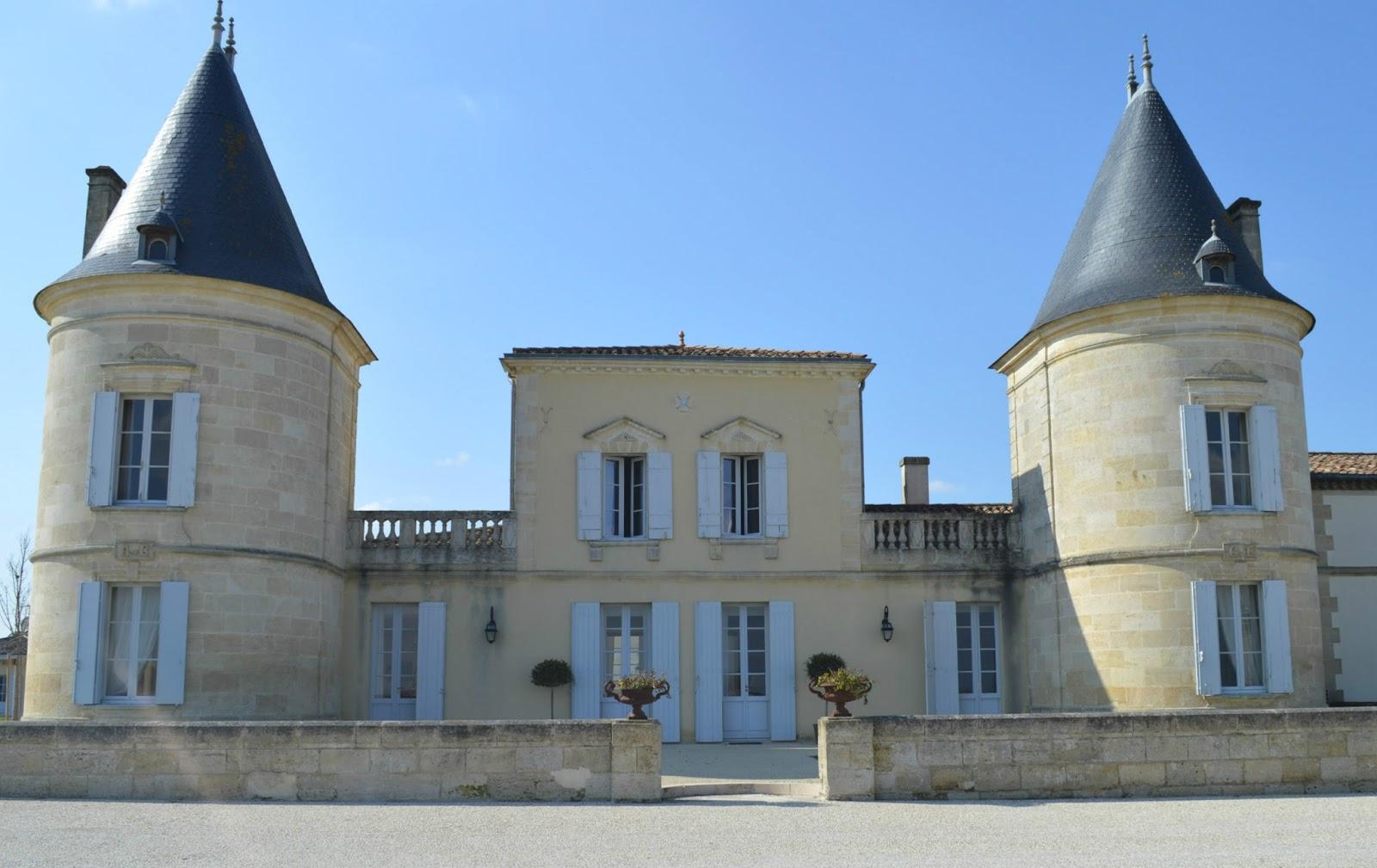 Connu Médoc : sur la route des château Lilian Ladouys et Pédesclaux YB82