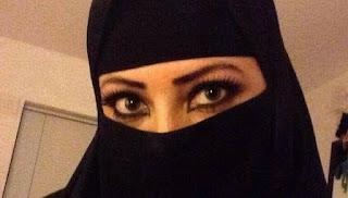 مغربية مطلقة ارغب بي زواج من انسان محترم