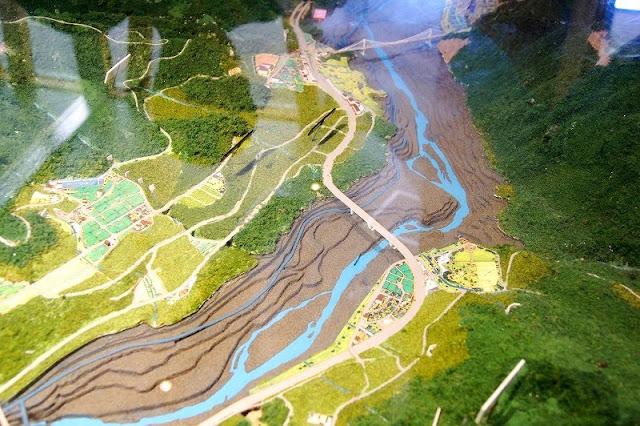 ダムの完成模型図