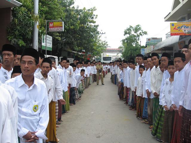 Full Day School Produk Nusantara yang Sebenarnya Hanya di Pondok Pesantren