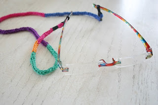 Eyeglass Holder, how to crochet an I-cord by Susan Carlson of Felted Button