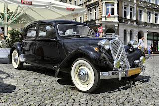 The 1930s luxury saloon the Traction Avant was Bertoni's first major success designing for Citroën