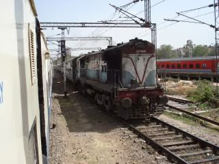 Bhopal to ahmedabad trains