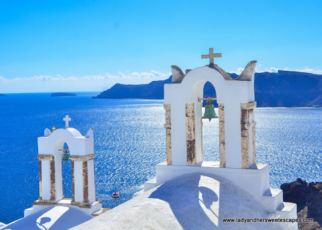 famous church in Oia