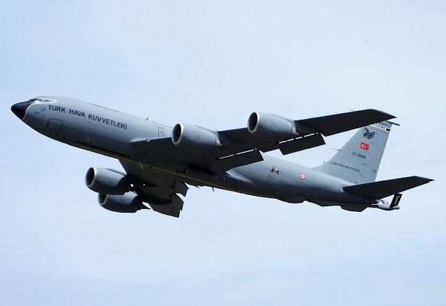 Türk Hava Kuvvetleri'ne ait bir Boeing KC-135R Stratotanker