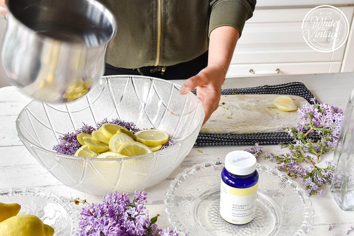 Fliedersirup Rezept mit Zitronen